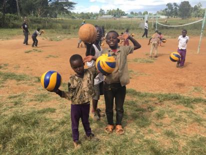 una_stagione_nel_segno_del_muro_in_superlega_come_a_nairobi_grazie_a_trentino_volley_e_amref_health_africa